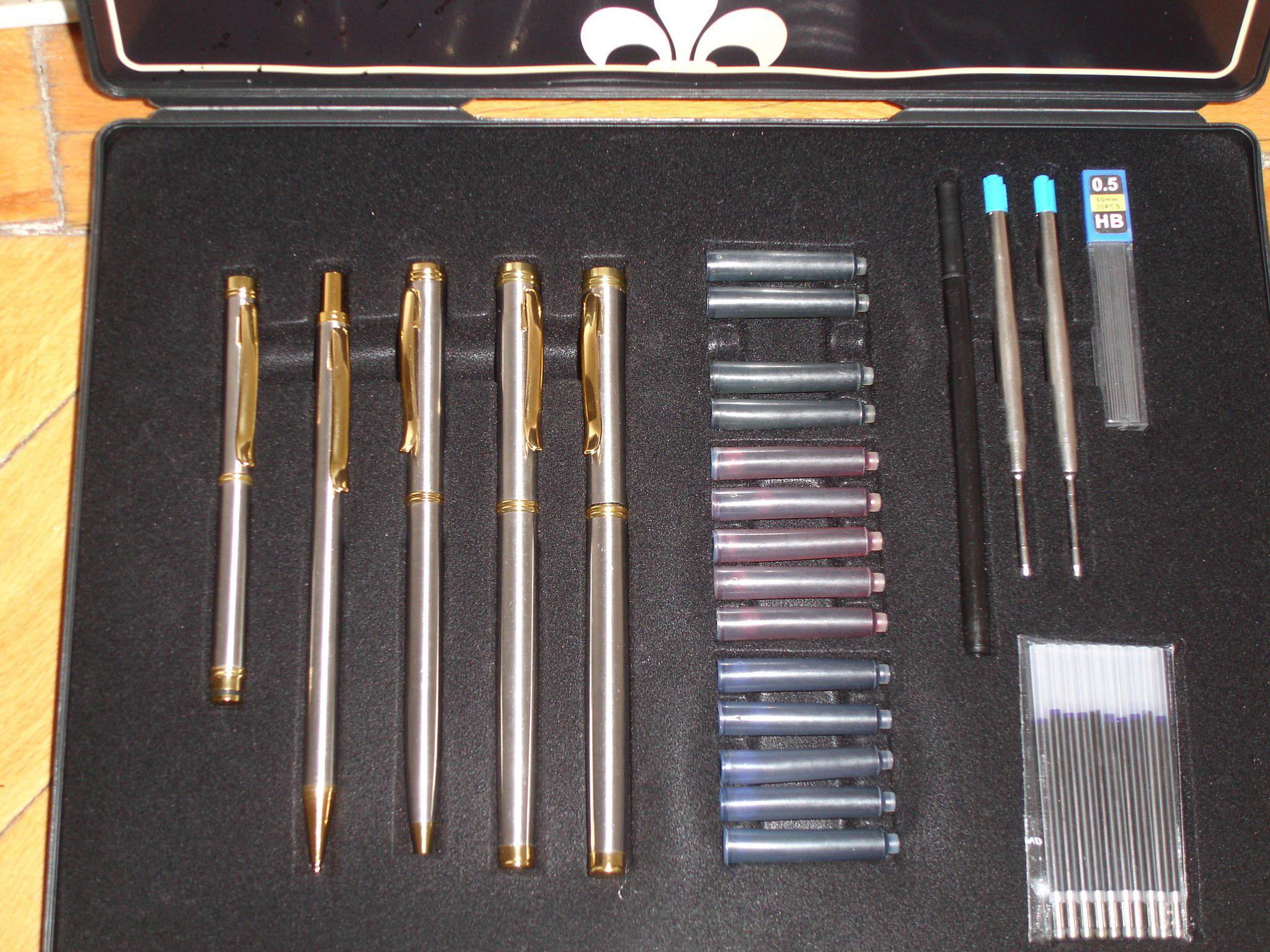 Set instrumente de scris
