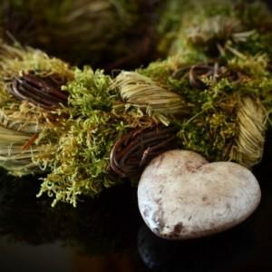 heart-wreath-mourning-decoration-autumn